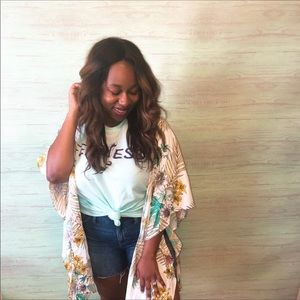 REDUCED‼️ UMGEE Tropical Floral Kimono